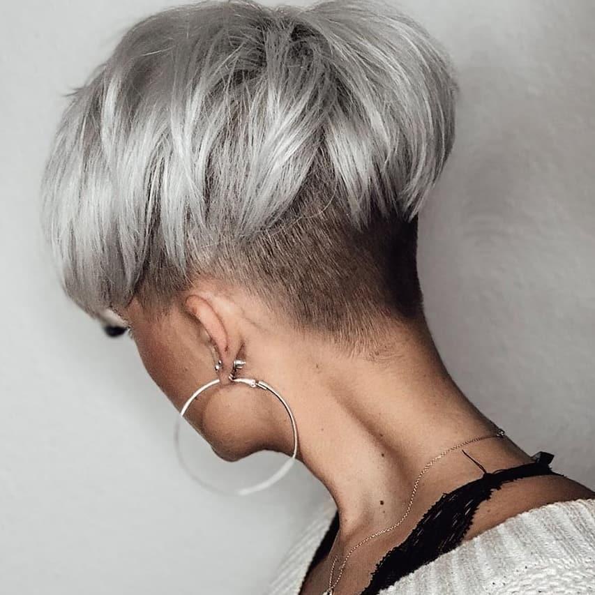 Platin-Kurze-Haare