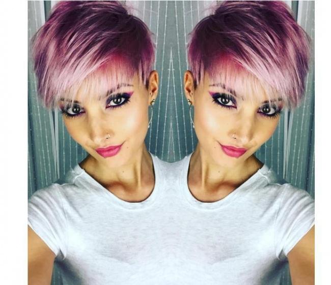 15 glamouröse kurze Frisuren in rosa und lila Farben