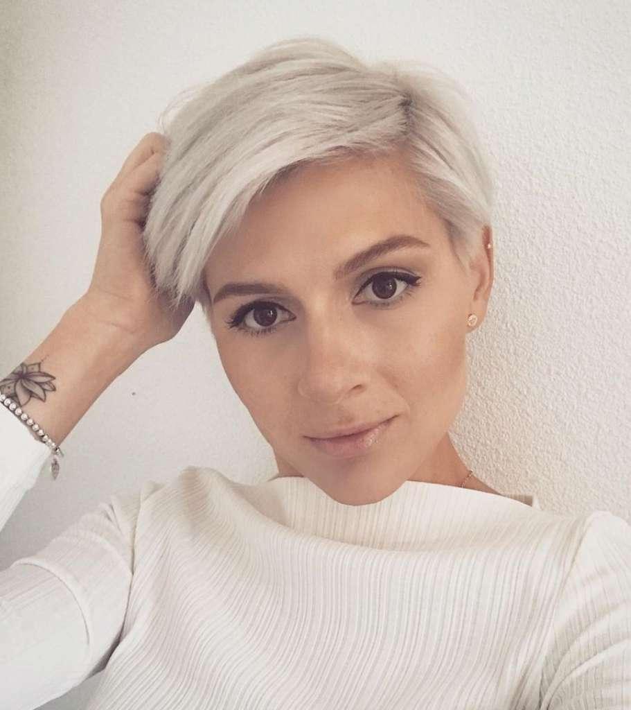 Kurze Haare - Irina Games