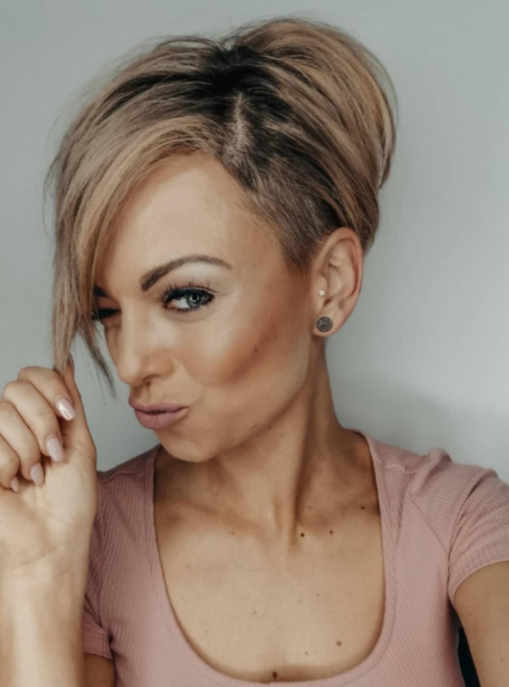 Social Media Model: @julia_eberl-NEW Hairtstyles 2020-