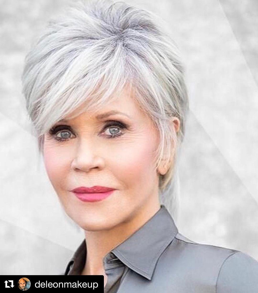 Umarme deine grauen Haare! 10 erstaunlich schöne kurze Frisuren für Frauen mit natürlichem grauem Haar!